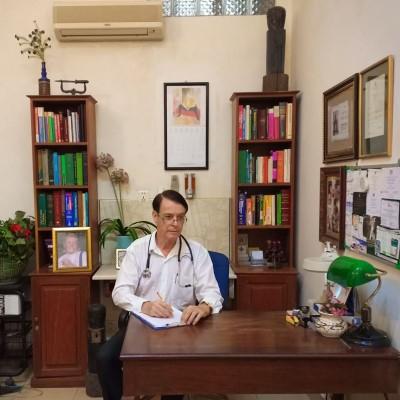 Dr Gavin Scott B